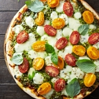 Organic Basil Pesto Pizza with Tomato & Bocconcini