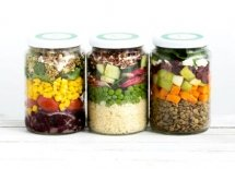 <p>Ready-to-eat and healthy organic lunch in a jar</p>
