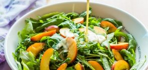 Arugula & Nectarine Salad with Yogurt Dressing