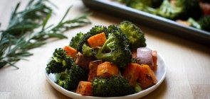 Rosemary and Garlic-Roasted Broccoli & Sweet Potatoes
