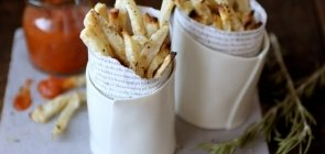 Parsley Root Fries with Roasted Tomato Ketchup