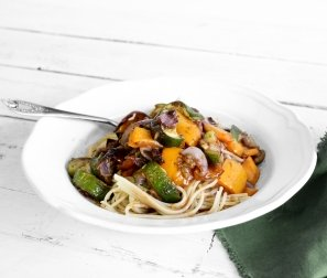 Organic Balsamic Veggie Pasta with Sun-dried Tomato Pesto