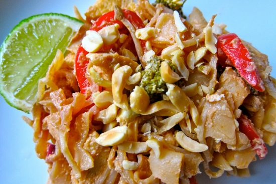 Red Pepper Pad Thai with Tofu, Broccoli & Cashews