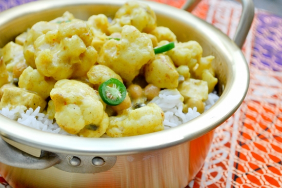 Cauliflower Curry with Tofu, Chickpeas & Rice h