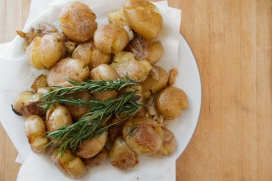 Crispy Smashed Potatoes with Rosemary and Garlic